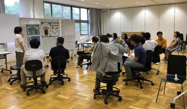 図2:DACセンター・佐々木銀河先生と建築デザイン・山田協太先生との共同授業の様子