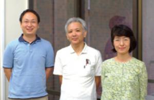図4:生態系サービスリサーチユニットのメンバー。左から、村上先生、吉野先生、甲斐田先生